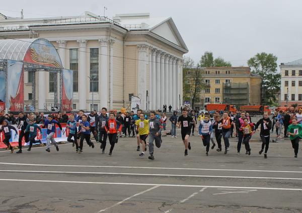 В Кирове состоялась весенняя легкоатлетическая эстафета